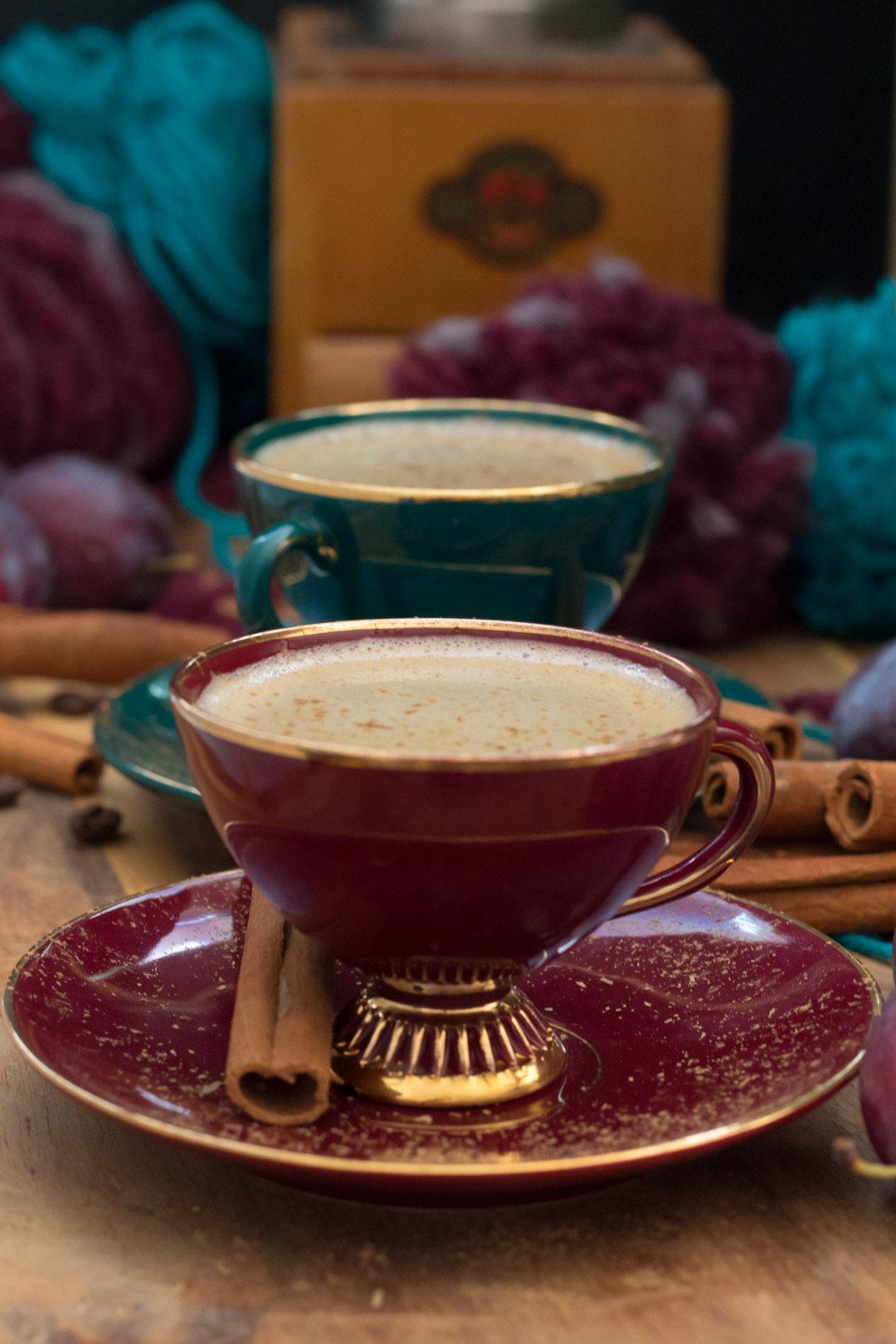 cinnamon coffee with coffee grinder