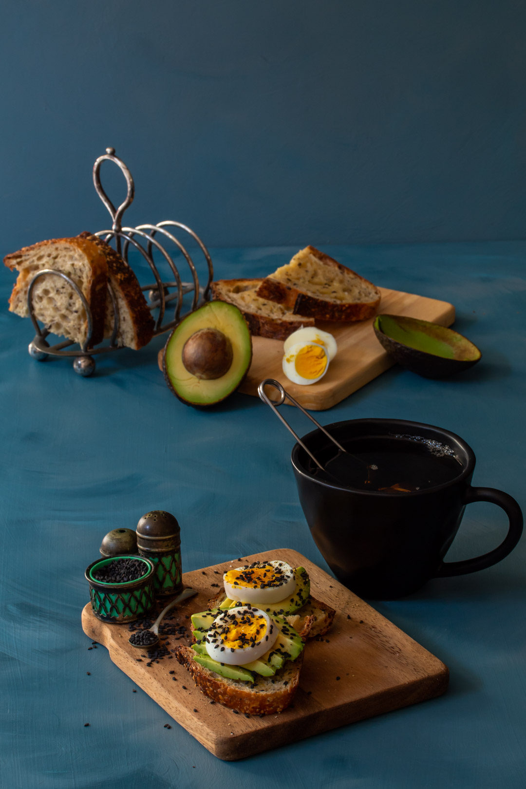 avocado toasts with hard boiled eggs detail