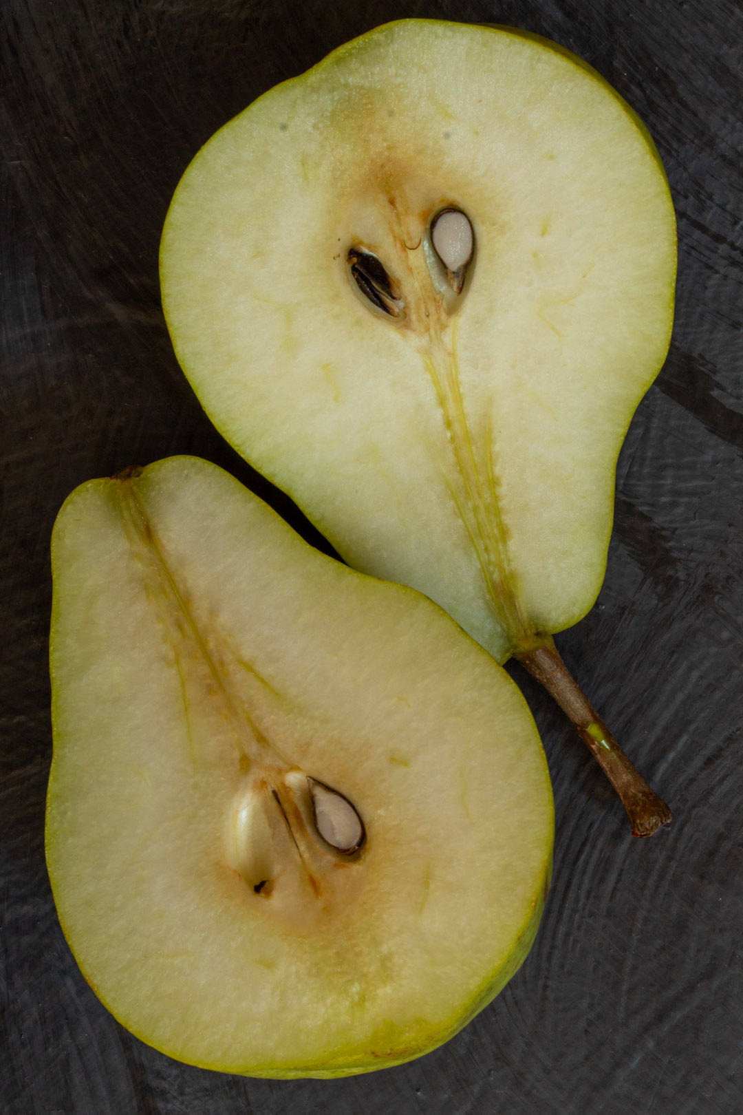 Pear pickles with cardamom & ginger: cut pears still life