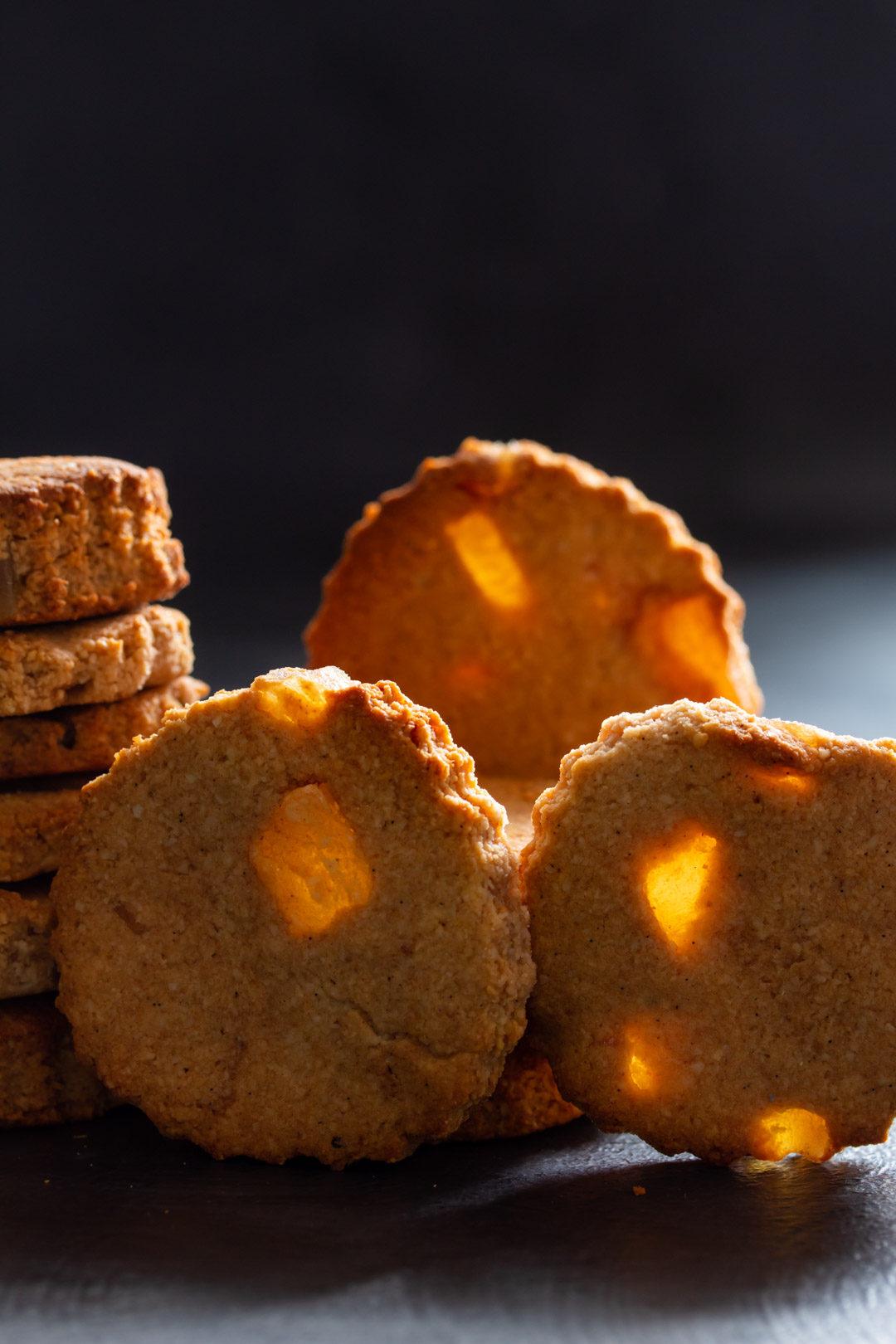 ginger cookies lights verticial