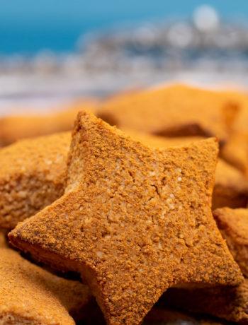 honey cinnamon stars biscuits front star focus