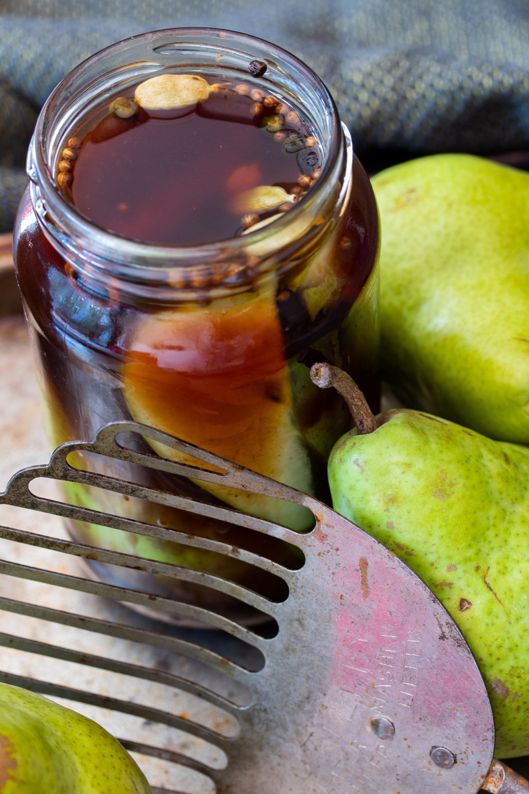 Pear pickles with cardamom & ginger in jars
