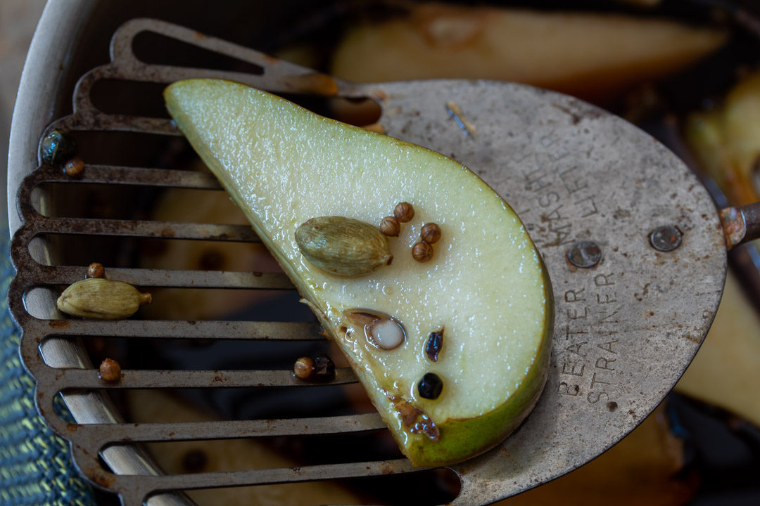 Pear pickles with cardamom & ginger: making pickles