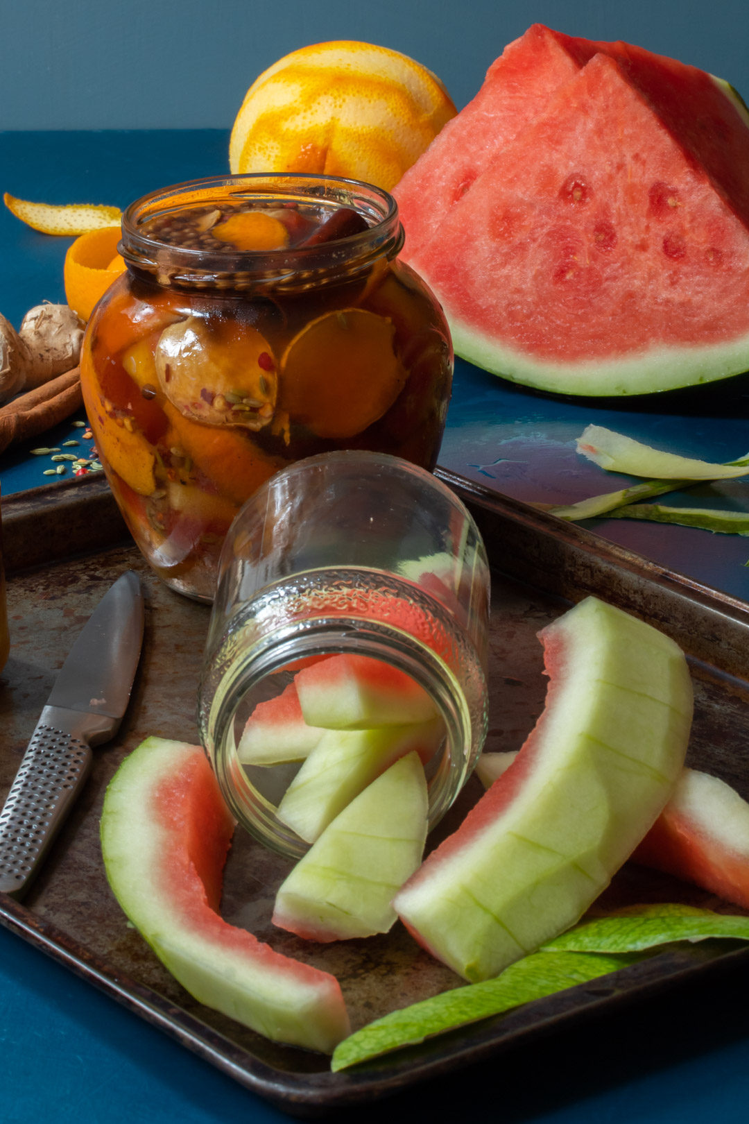 Quick watermelon rind pickle with cinnamon and chili: making pickles detailed view