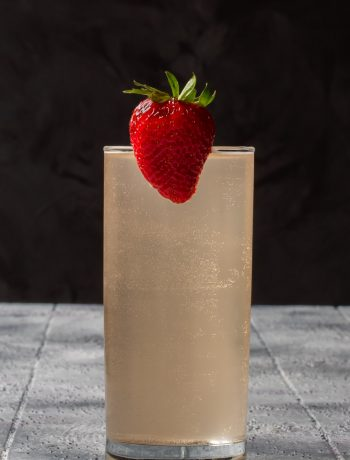strawberry fiz with bubbles
